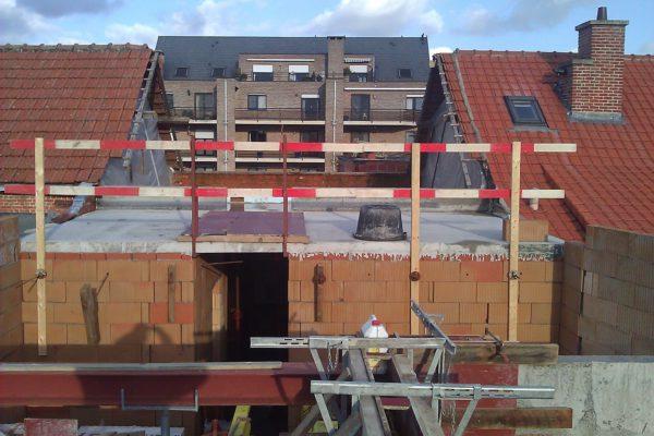 10. Plaatsen poutrels en betonbalken achterbouw